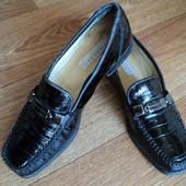 Туфли натуральный кожа-лак по стельке 24-24.2см