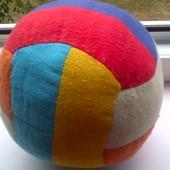 Мягконабивной мячик для малышей.