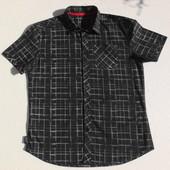 Хлопковая рубашка с буквенным принтом. Короткий рукав.