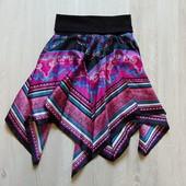 Яркая юбка для девочки. Размер не указан, ориентировочно 12-14 лет. Состояние: идеальное