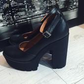 Классные кожаные туфли на толстом каблуке
