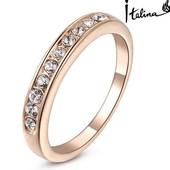 Позолоченное кольцо с австрийскими кристаллами