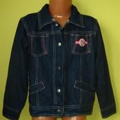 Джинсовая куртка жакет Disney 122-128 рост, в отличном состоянии, длн. от плеча - 45 см, рукав от пл