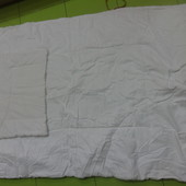 Детское гипоаллергенное одеяло и подушечка.