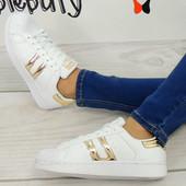 Легкие и удобные кроссовки фирма  Vices