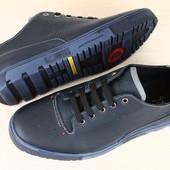 код: 2314 Мужские спортивные туфли черные на синей подошве, из натуральной кожи