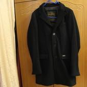 Мужское классическое пальто черного цвета