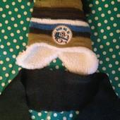 Зимний теплый комплект: шапка и шарфик! Состояние новое!