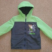 2 одинаковые курточки ,можно для двойняшек или погодок
