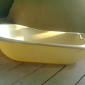 Ванночка з підставкою для купання