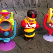Фирмнная игрушка на присоске