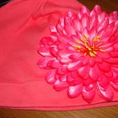 трикотажні шапочки з квітами на липкій нашивці, одна на вибір