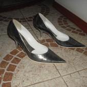 Серебристі туфельки 36 розмір шкіра Італія