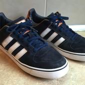 Кроссовки Adidas оригинал замша размер 39,5 по стельке 25,5см,отл.сост.