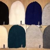 Стильная вязанная шапка чулок