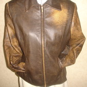 Фирменная Италия кожаная куртка на 46-48  размер в идеале