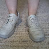 Туфлі шкіряні бежеві розмір 44 стелька 29 см Tonhelli