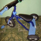 Велосипед  детский трехколесный голубой  Bambi profi trike m 0688-1