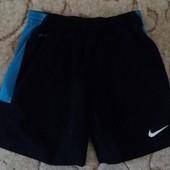 Шорты Nike ,размер М