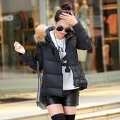Пуховик куртка женский черного цвета в наличии.