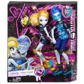 Набор кукол Гил Веббер и Лагуна Блу. Свидание на роликовых коньках