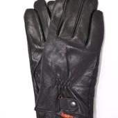 Мужские кожаные перчатки на махровой подкладке.