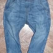 NEXT стильные джинсы на мальчика 12-18 мес