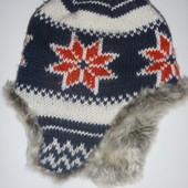 шапка вязанная на флисе с мехом на ушах на 10-12 лет