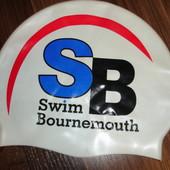Фирменная плотная шапочка для бассейна на объем головы 56-58 см