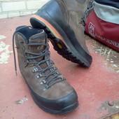 Ботинки треккинговые Maindl Gore-Tex р-р. 42-й