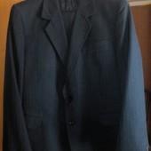 Продам классический мужской костюм (52-54 р.)