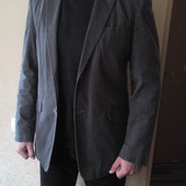 Стильный фирменный пиджак.