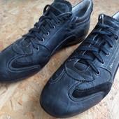 Фирменные кроссовки  Nero Giardin (Италия)-размер 43-длина стельки-28 см