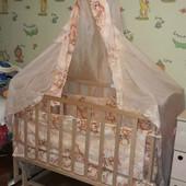 Детская кроватка с полным комплектом (матрас, балдахин, постель) идеальное состояние