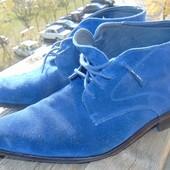 Фирменние стильние замшевие ботинки сапоги Triore Italy.43