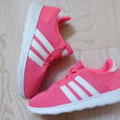 Кросівки Adidas 27 розмір, устілка 17 см.