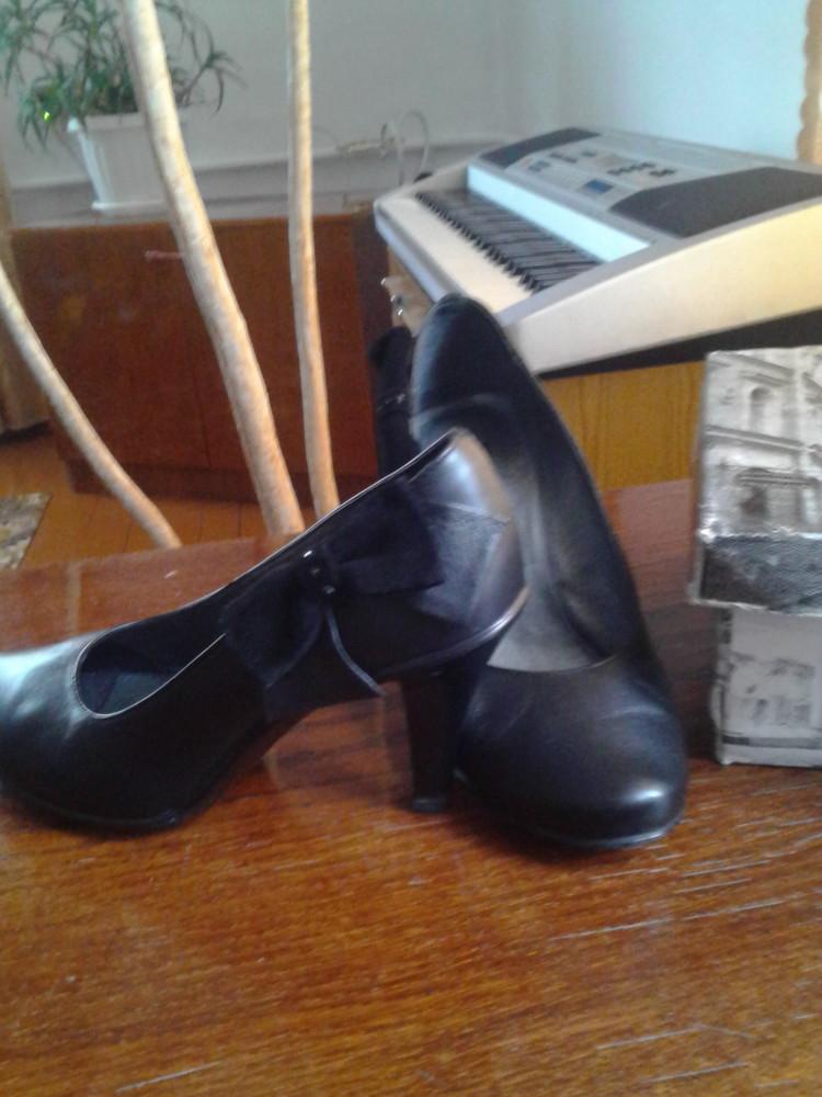 Туфлі 38розмір,кожані,чорні,дуже удобні і красиві фото №1