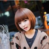 Женский парик из искусственных волос.