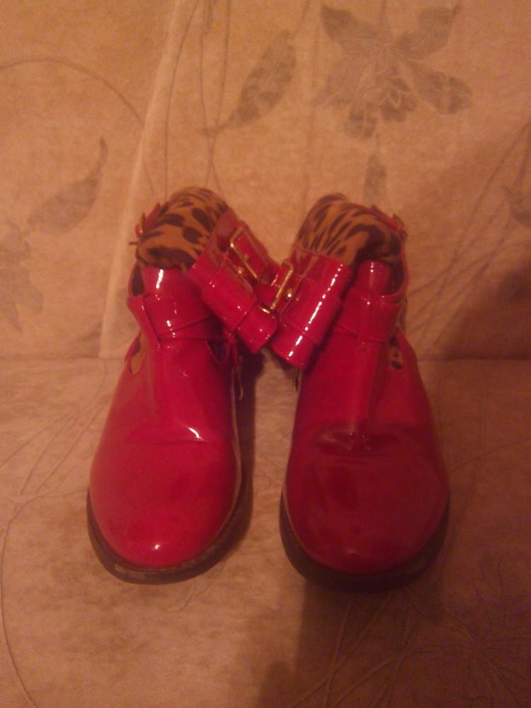 Оригінальні чобітки для модниці фото №2