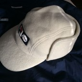 тёплая зимняя шапка Fila