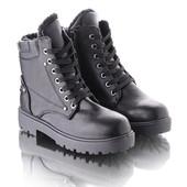 Короткие зимние ботинки на шнуровке 11285