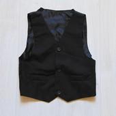 Классическая черная жилетка для мальчика. Размер 2-4 года