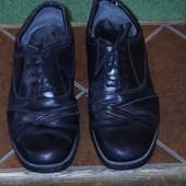 Туфлі шкіряні розмір 9/42 Clarks