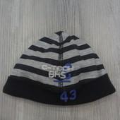 Классная демисезонная шапочка Chicco 38 размер, отличное состояние!