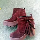 Стильные ботинки из бордового замша с бахромой код:ИН