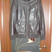 Стильная куртка из кожзаменителя