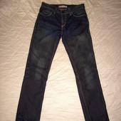 Красивые джинсы Levi's разм.32-33 (немного заужены)