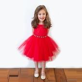 Очень красивое платье на 2-5 лет