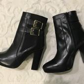 Демисезонные ботинки. Размер 41