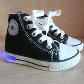 Новые кеды Converse Конверс светящиеся Led 23 см 15 р